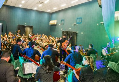 Orquestra Dedilharcos emociona público no Centro Cultural Nice Avanza