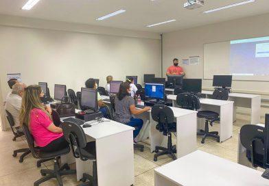 Agentes da Vigilância Sanitária são treinados para operar novo sistema de emissão online do Alvará Sanitário
