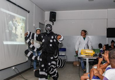 Vigilância ambiental realiza palestras sobre dengue em escolas do bairro Santa Cruz